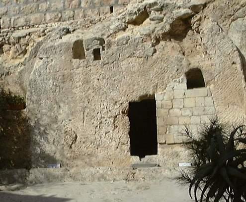 tomb16